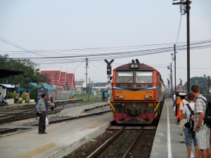 Bangkok bound train arriving at Ayutthaya