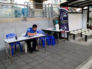 Taxi stand at Phaya Thai Station