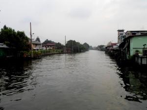 Photo of the bangkok Yai canal in the Talat Phlu area