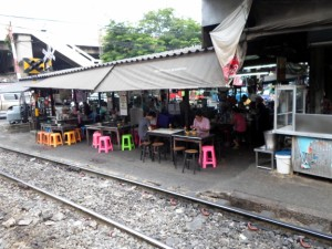 restaurant near the level crossing at Talat Phlu station