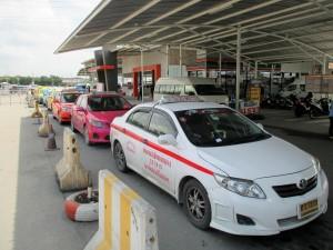 Taxi lane at Sai Tai Mai