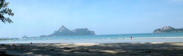 Photo of Ao Manao beach in Prachuap Khiri Khan