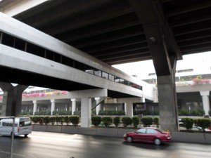 The foot bridge from the station to the airport from Vibhavadi Rangsit road
