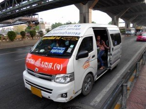 minibus to Victory Monument