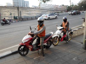 photo of motorbike taxi by Asoke pier