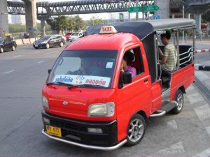 small taxi truck line to Klongton
